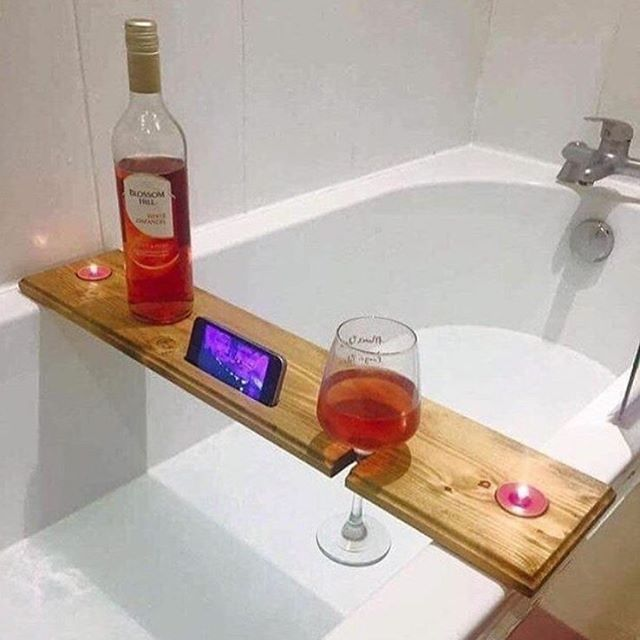 Who else needs this in their life??? This is literally made of dreams 💭🍷❤️ #home #bath #decor #design #homedecor #interior #inspo #interiors #interiordecor #interiordesign #goals