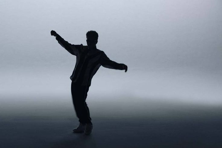 #B2HH Watch @BrunoMars bust some serious dance moves  in his new visual Bruno Mars - That's What I Like http://bound2hiphop.com/videos/bruno-mars-thats-what-i-like/