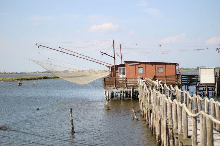 caratteristica casetta con bilancione per la pesca nelle valli di Comacchio.