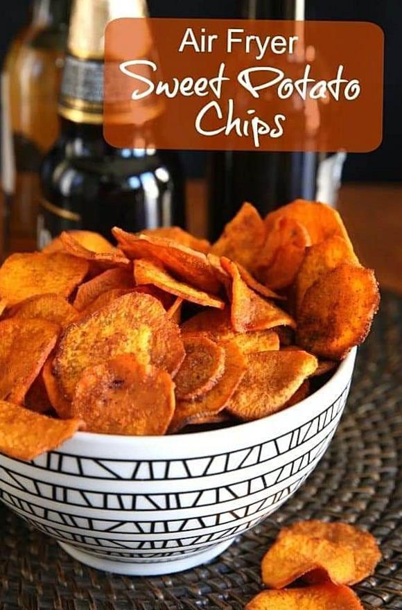 Air Fryer Sweet Potato Chips Are Fried The Healthy Way Less Than 30 Minutes For A Handful Of Spicy Chips Vegan Paleo Who 2020 Yemek Tarifleri Atistirmaliklar Gida