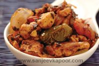 Paneer Khurchan: Paneer cooked in tomato gravy.