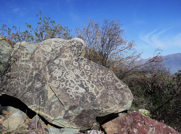 Petroglifos  valle  del  Aconcagua - Chile