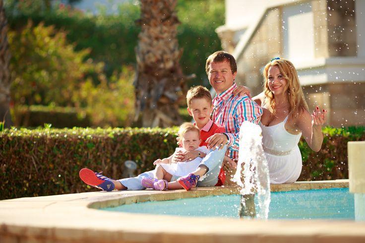 — Па-ап, а кто такой мужчина? — Ну… это сильный человек, который любит, охраняет и заботится о своей семье! — Здорово! Хочу стать мужчиной, как наша мама!  Ирина и Руслан | Family Day ❤ Организация @wedding.crete Фотограф @lavrova_foto_crete  #cвадьбанакрите #СвадьбаНаКрите #СвадьбаВГреции #cвадьбакрит #свадьба_на_крите #свадьба_в_греции #свадьбавгреции #weddingoncrete #weddingingreece #weddingincrete #wedding.crete #wedding.crete #crete #greece #crete #madewithloveoncrete…