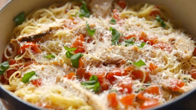 17 Chicken and Pasta Recipes That Prove They Belong Together