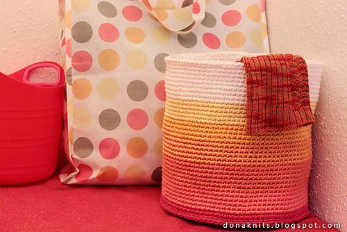 Ombre Basket ~  free pattern