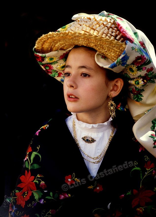 Girl in Traditional Outfit, Avila, Spain, by Luis Castañeda..✔zϮ