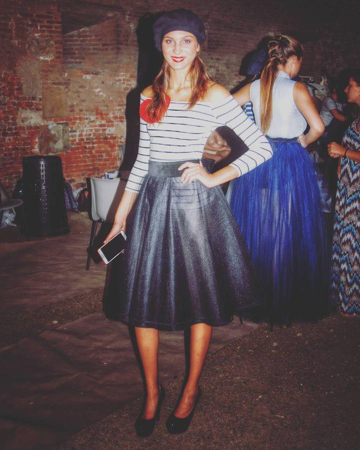 Stile @oxanafashion con accessori di modisteria artigianali creati per la sfilata. Bellissimo insieme. Foto di Backstage.  #cappello #cappelli #hat #instalike #instafun #instalife #fashion #womenfashion #madeinitaly #livorno #madeinitaly #moda #modadonna #fascinator #artigianato #modisteria #modella #modelle #fashionphoto #accessori #stile #style #l4l #concorso #modella #modelle #bellezza #model #girl