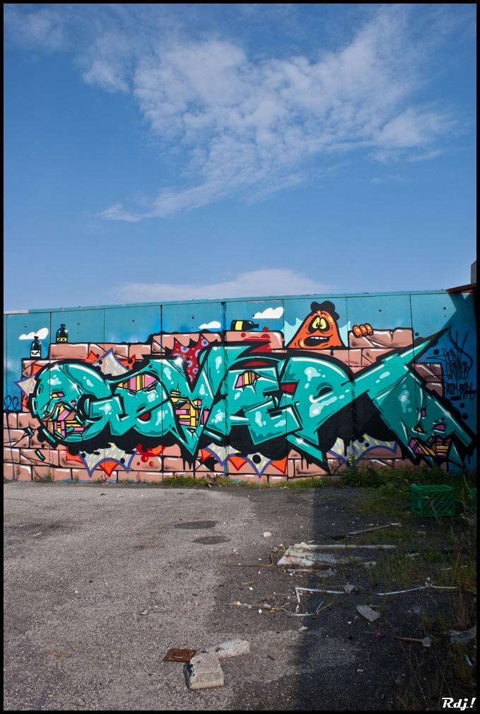 Learn how to do graffiti art.