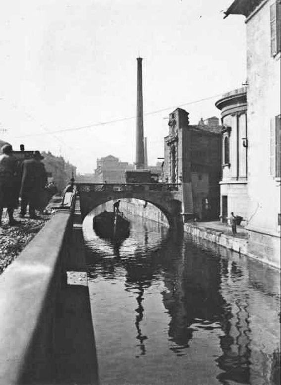M<3 Milano   Naviglio in via Francesco Sforza, ponte dell'ospedale