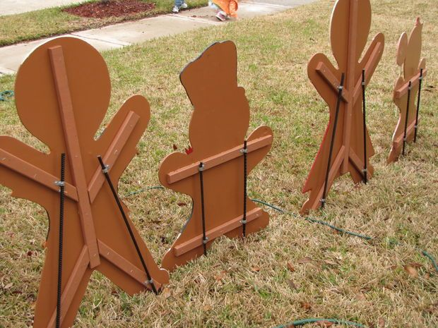 gingerbread yard decorations | Gingerbread Man Christmas Yard Decoration - Updated : Attach Mounting ...