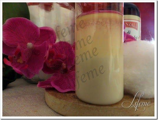 STRUCCANTE OCCHI latte ed olio di mandorle ,bifasico,crema emoliente