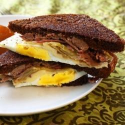 Corned Beef Breakfast Sandwich with Fried Egg & Horseradish Cream ...