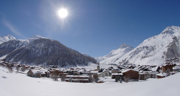 Val d'Isere Resort Photos - Ski Club of Great Britain