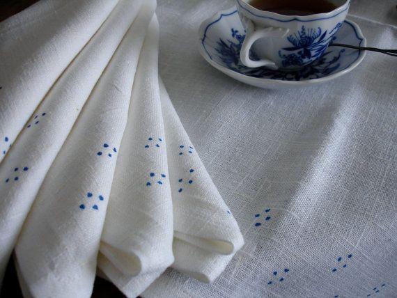 Linen napkins by Limonera on Etsy, $38.00