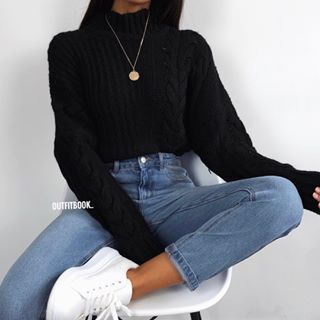 Schwarzer Pullover x Mom Jeans: Simplicity // Neu in: Pullover: 6742