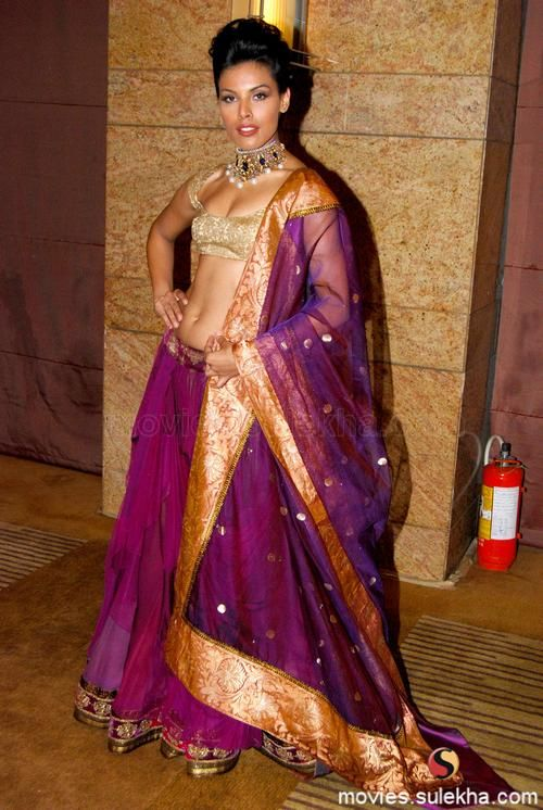 Manish Malhotra showcases HDIL Collection Gallery