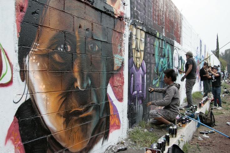 Faro Tlahuac El Faro Tlahuac abrió sus muros para hacer pintas con motivo de la segunda edición de Planeta Graff Planeta Rock, en honor al grabador José Guadalupe Posada.  Desde temprano varios jóvenes se reunieron en el Faro Tlahuac para realizar grafitis con diversas temáticas.