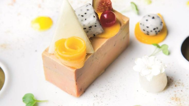 Foie gras , poivre noir ,fruits exotiques