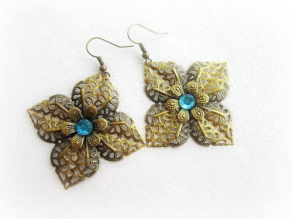 Victorian filigree flower earrings vintage by MalinaCapricciosa, $11.00