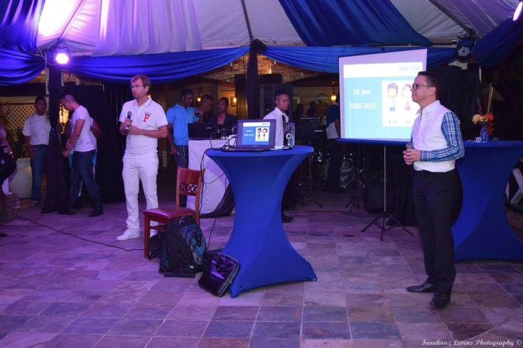Presentatie door directeuren Frank Veldhuizen en Jean-Paul van Ewijk, tijdens feest Alembo 10-jarig bestaan.