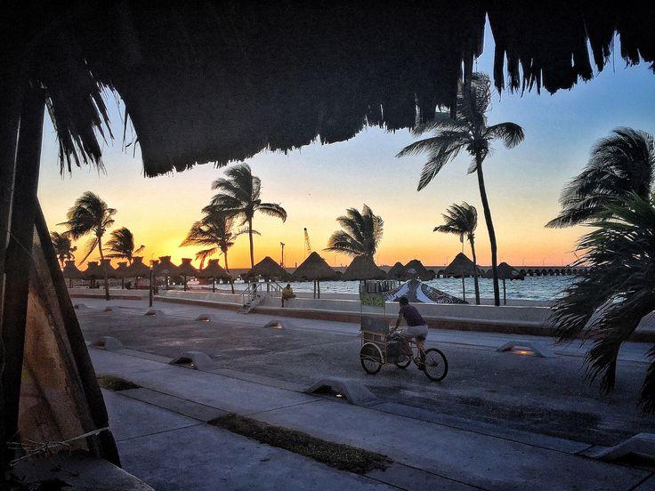 #playa de #progreso en #merida #crepusculo  #beach #mexico  #iphone6 #carlotafernandez #googlemaps #googleviews #carlotaconbotaz #carlotaconbotas #carlotaconbota #carlafernandez