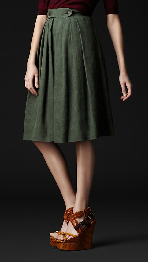 I like this combo: Floral Prints, Front Skirts, Linens Pleated, Bottle Green, Burberry Skirts, Burberry Prorsum, Dark Bottle, Green Dark, Dark Green Pleated Skirts