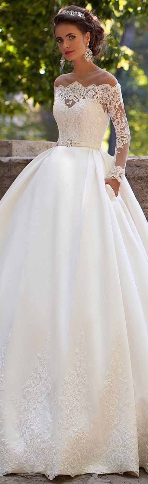 Robe de mariée Milla Nova : princesse avec de la dentelle , manches longues