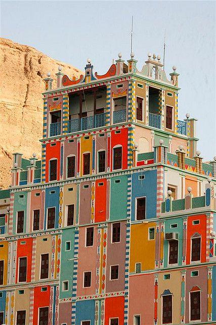 miss-mary-quite-contrary: Buqshan hotel in Khaila - Yemen, Saudi Arabia (by Eric Lafforgue)