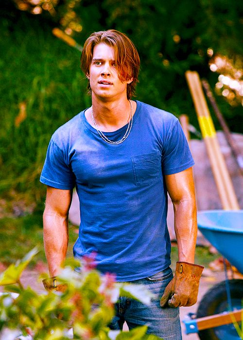 Jason DiLaurentis (Pretty Little Liars) he can work in my garden anyday