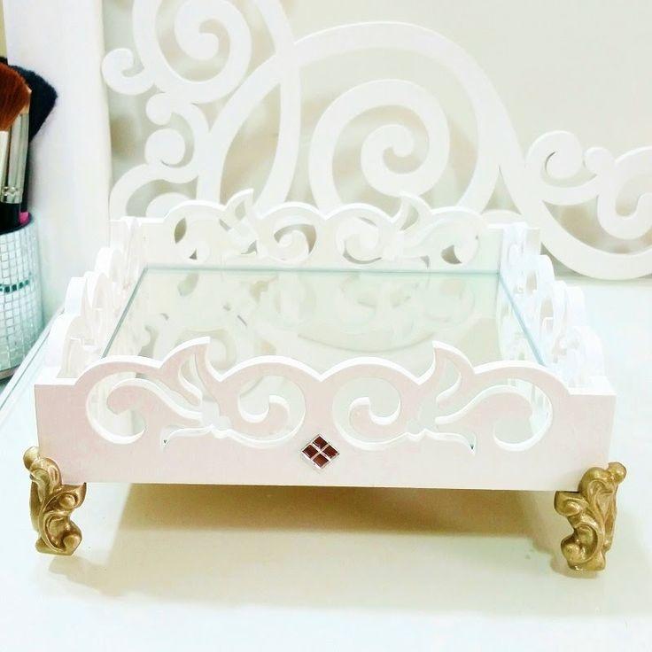 Bandeja espelhada para perfumes - DIY