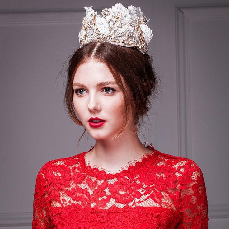 Large Crown Queen Luxury Lace Diamond Tiara Wedding Jewelry Hand-beaded Lace Crown Rhinestone Accessories Crowns And Tiaras Online with $112.05/Piece on Graceful_ladies's Store   DHgate.com