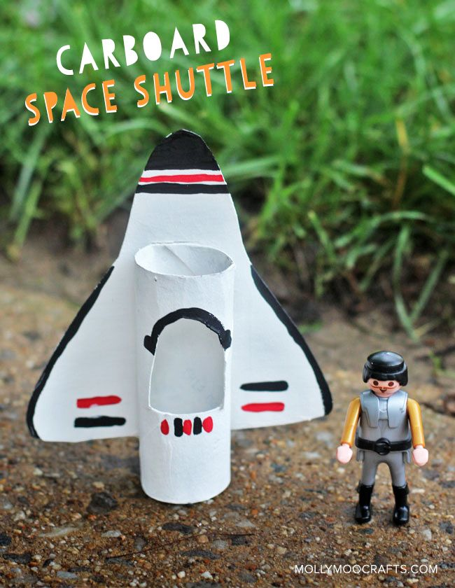 TP Roll & Cardboard Space Shuttle, what a simple recycled craft. I love crafting with toilet rolls #happyhandmade // MollyMooCrafts.com @salsapie