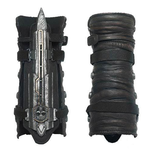 """Manopla con cuchillo Edward Kenway. Assassin's Creed IV Black Flag Espectacular <b>manopla con cuchillo</b> (Role-Play Gauntlet) fabricada con material de PVC (plástico duro y muy resistente) de la vista en <b>Edward Kenway</b> el principal protagonista del exitoso videojuego <b>""""Assassin's Creed IV Black Flag""""</b>."""