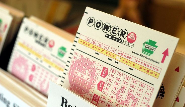 Tennessee Powerball winners Lisa and John Robinson are being sued by a prisoner who says they owe him half of their winnings. According to Fox59, prisoner