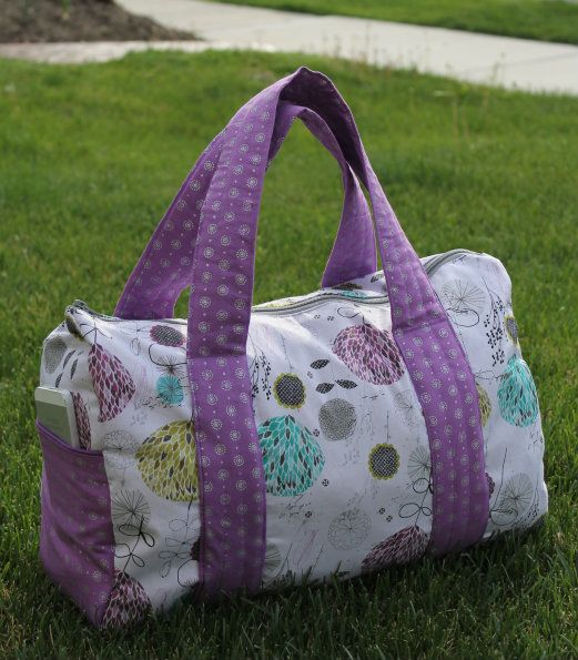 Hello Everyone. This weekend, I decided to make myself an overnight duffel bag. This is a simple duffel pattern that has oval sides with pockets accented with wrap around straps. The cool thing about this pattern is that you don't have to line the bag or cover seams with binding! The tutorial is written so …