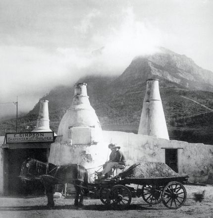 Lime Kilns, Mowbray, Cape Town 1910 - courtesy www.roomsforafrica.com/art/cape_town_historical_photos
