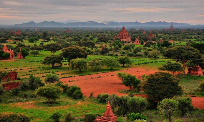 Morning from the top of Bagan. Taken using Nikon D90.