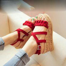 2015New mode femmes sandales haut talon plate - forme de coin flip flops nubuck cuir solide rouge noir fretwork été chaussures pour femmes(China (Mainland))