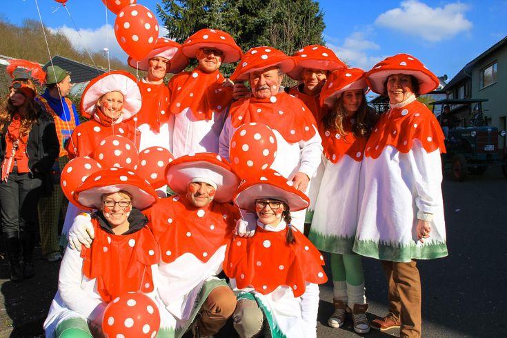 Fliegenpilz kostüm Karneval Gruppe