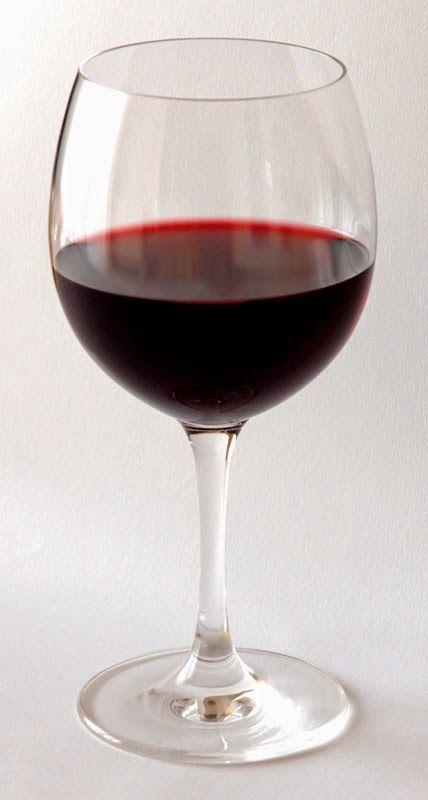 Cricketscoffee Blog: Starbucks in Oregon serving fine wine after 4 pm.