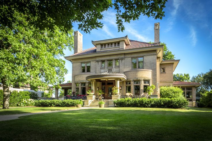 History+of+the+Home   Built+in+1906,+this+stunning+home+was+designed+for+Lawrence+Donaldson,+who+with+his+brother+William,+founded+the+Donaldson+Department+Store+in+Minneapolis.+The+architectural+firm+of+Kees+and+Colburn+was+commissioned+to+design+the+family's+residence,+known+for+a+number+of+major+works+in+Minneapolis+including+the+Grain+Exchange+Building,+Donaldson's+Office+Building,+and+the+Charles+H.+Harrington+Mansion.+They+later+designed+the+Loring+Theater,+the+Ford+Centre,...