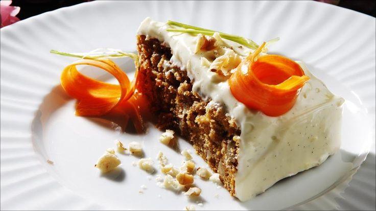 Saftig gulrotkake - Gulrotkaken egner seg godt til frysing (helst uten glasur).