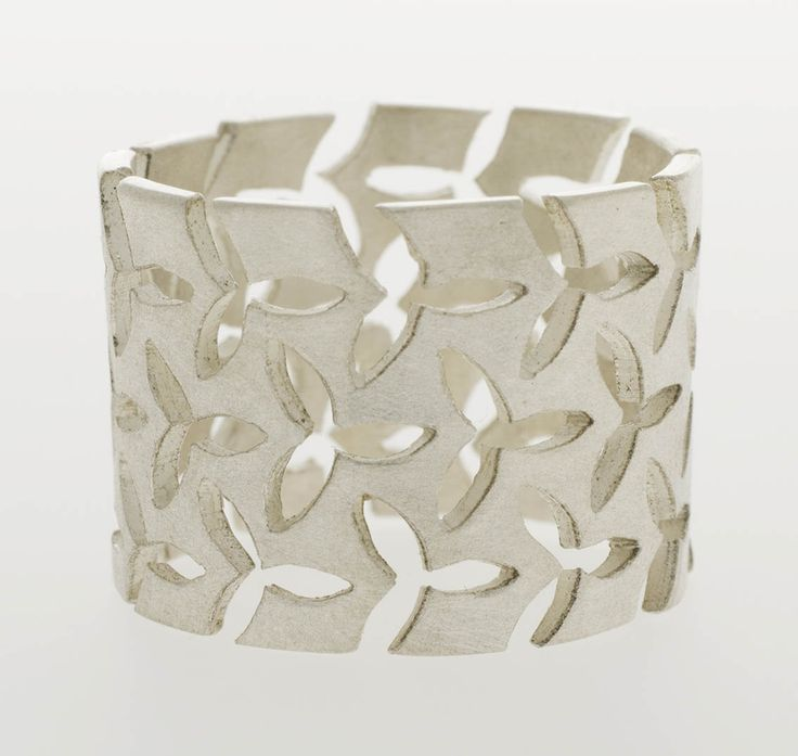 Beautiful silver jewellery designed and made by the norwegian contemporary jewellery designer Linn Sigrid Bratland. To see the whole collection and order, go to http://artbyhand.no/butikk/smykkedesign