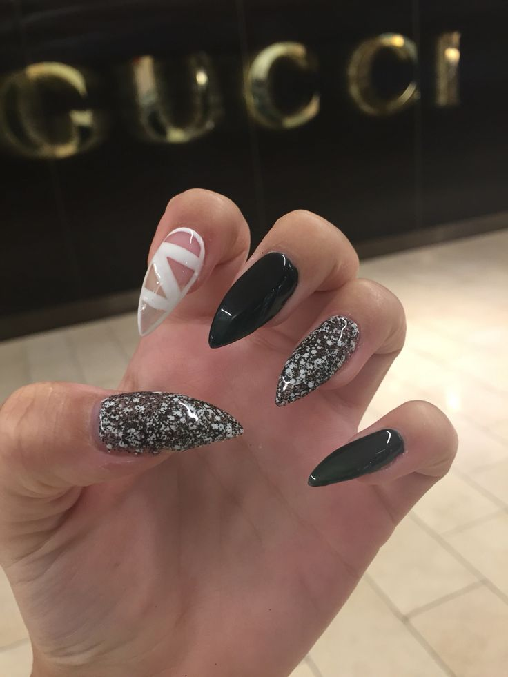 la-vi nails army green nail design