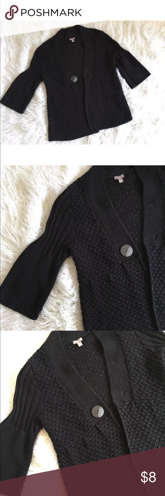 """J.Jill Size L Petite cardigan sweater Gorgeous size large petite in amazing condition  Length 28""""  Armpit to armpit 23""""   The button is not the original it is much bigger so it does not fit the button hole J. Jill Sweaters Cardigans"""