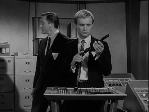 The Man From U.N.C.L.E. - This is the opening title sequence from the seventh episode of UNCLE's first season, THE GIUOCO PIANO AFFAIR (November 10, 1964), featuring Jerry Goldsmith's original theme.