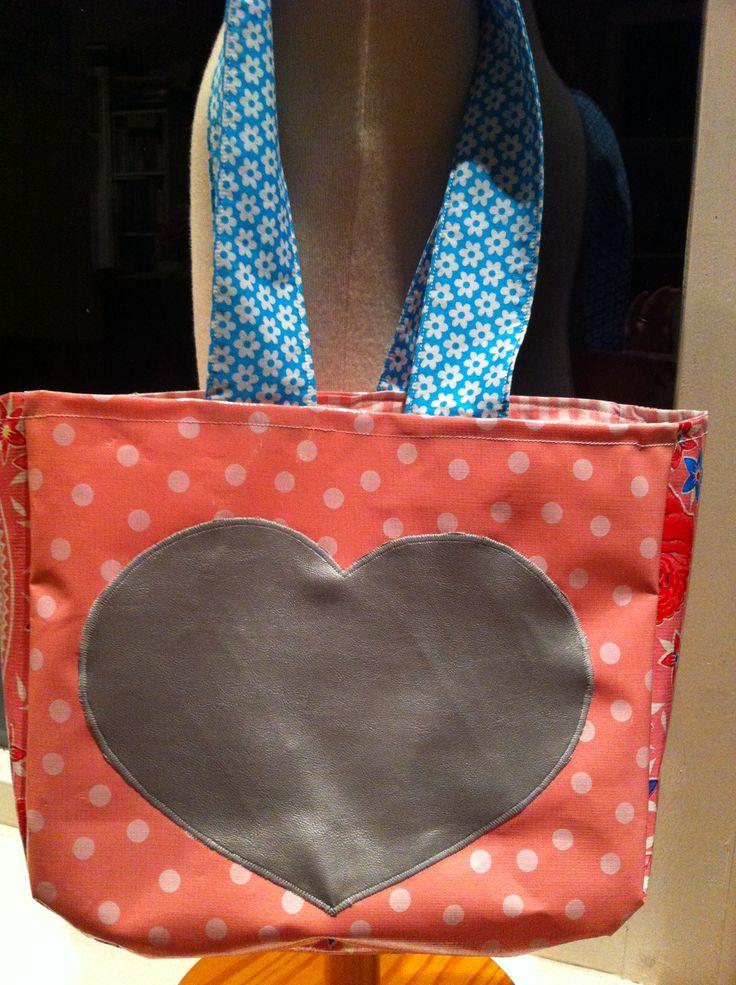 Tafelzeil tas met zilveren hart !!