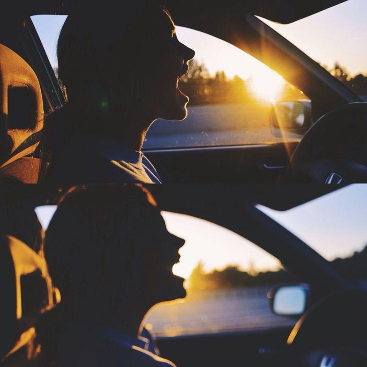 singing aloud in the car//