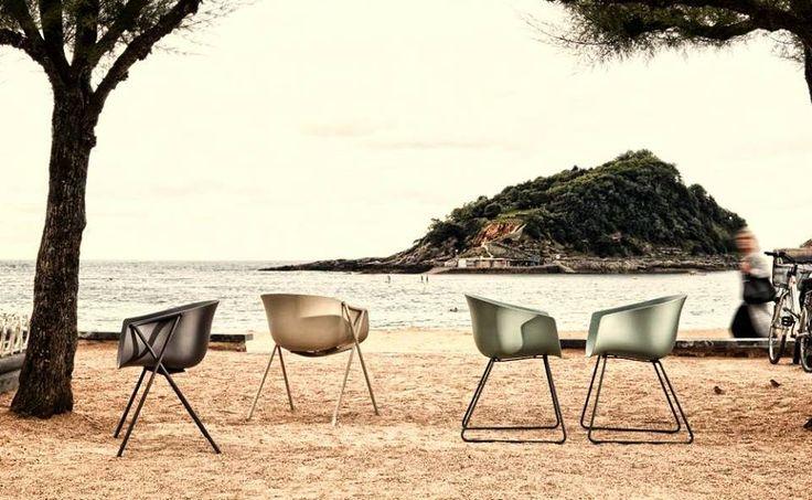 Zaprojektuj swój weekend... na plaży Ondarreta? #ondarreta #design #chairs