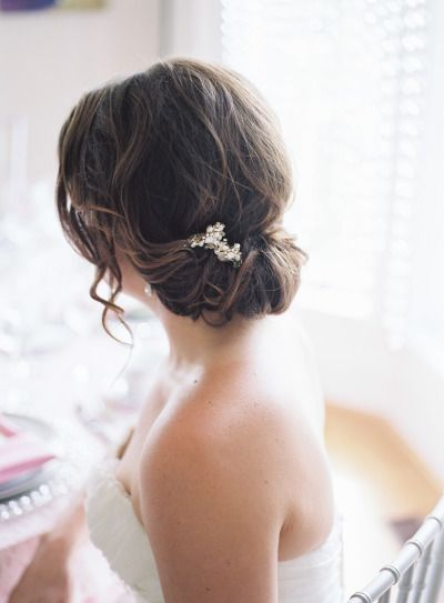 Loose chignon: http://www.stylemepretty.com/missouri-weddings/2014/09/03/missouri-inspiration-shoot-at-longview-farm/ | Photography: Carretto Studio - http://www.carrettophoto.com/